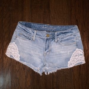 American Eagle - Light Wash Jean Shorts w/ Lace